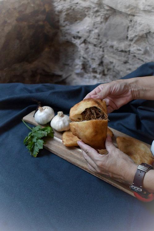 Empanada venezolana combinada