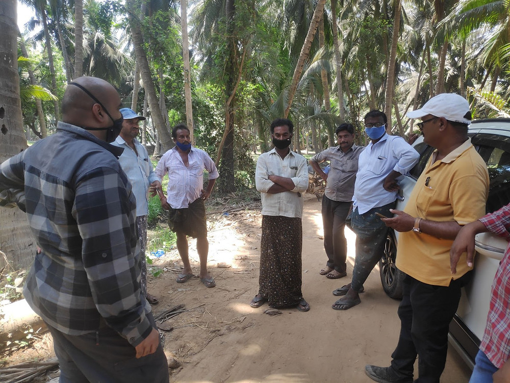 Karthik Pulugurtha, FWI India Managing Director, meets with the first Alliance for Responsible Aquaculture farmers in Nellore, Andhra Pradesh