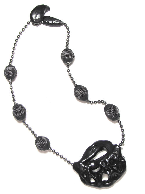 The Licorice Leaf Necklace