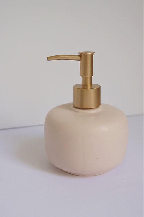 מתקן סבון קרמי