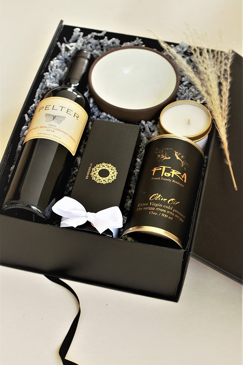 The Pelter Passover Box