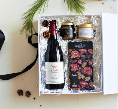Custom gift wine.jpg