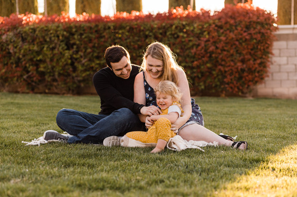 Family maternity session at park