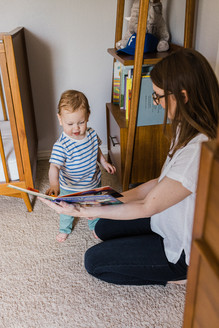 Family reading time during in home lifestyle session