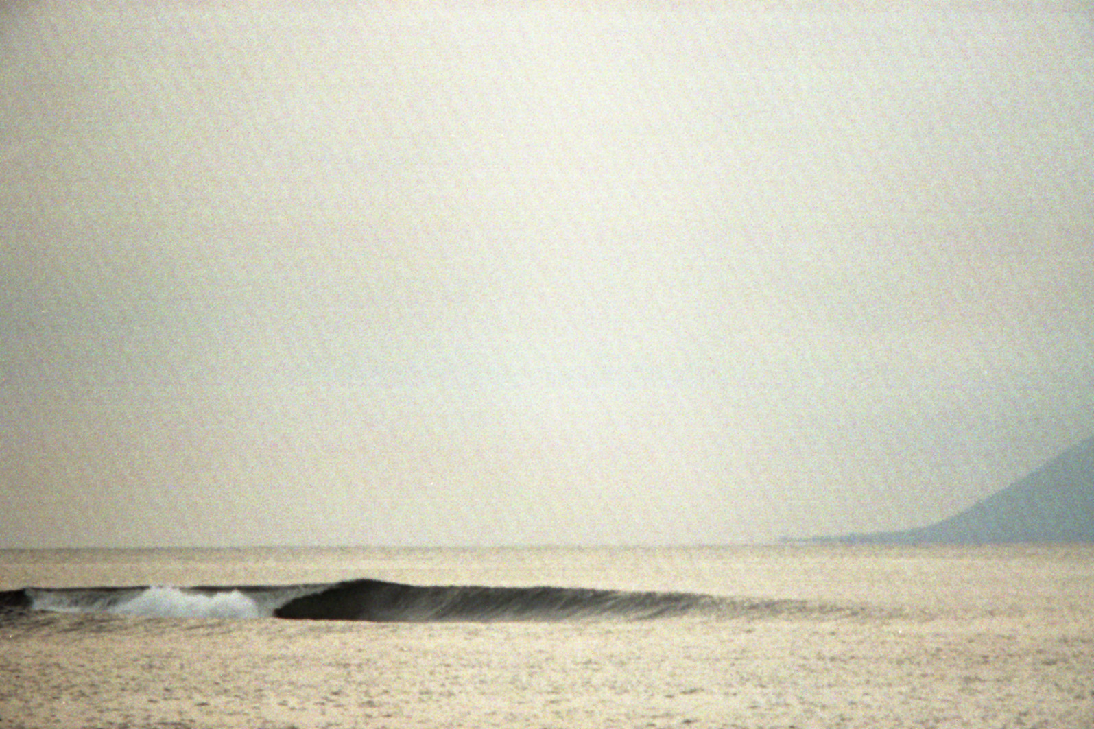 Breaking Wave at Lakeys