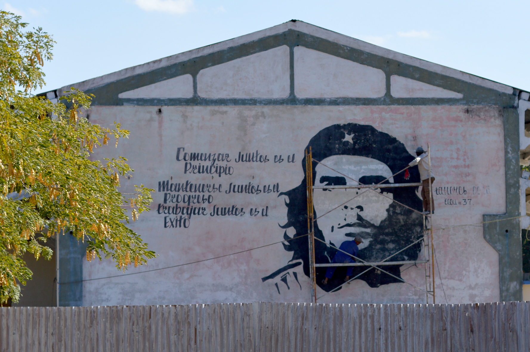 Painting Che