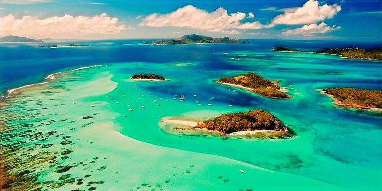 Santa Lucia & St. Vicent y las Granadinas