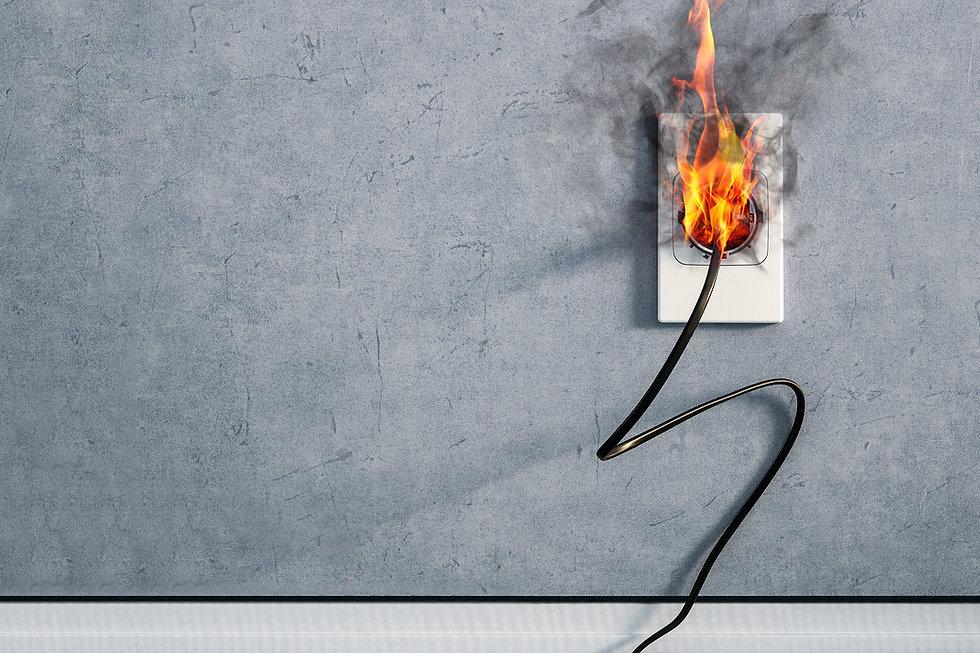 brennendeSteckdose.jpg