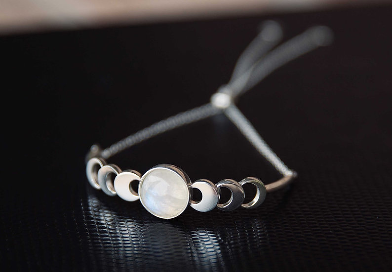 Verdandi House - Sun, Moon and Stars Collection: Moon Phase Bracelet