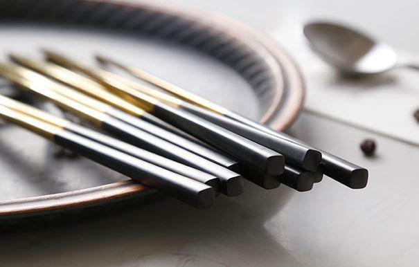 Islandoffer  - Stainless Steel Dinner Black Gold Chopsticks (5 pairs)