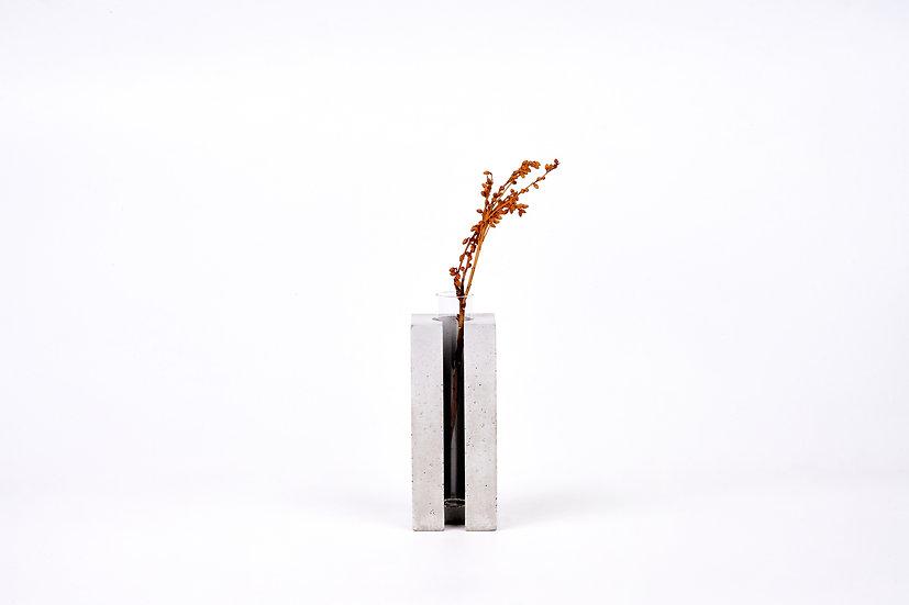 concrete vase - square