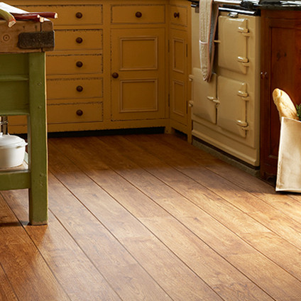 2220 Vintage Timber with Brown Feature Strip