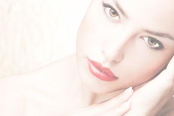 Reuvenecimiento facial, párpados, cuello, estiramiento facial, otoplastia