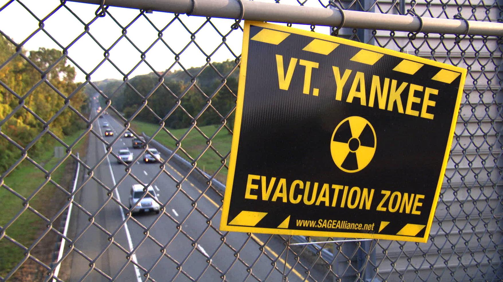13-POWER_STRUGGLE-Vermont_Yankee_Evacuat
