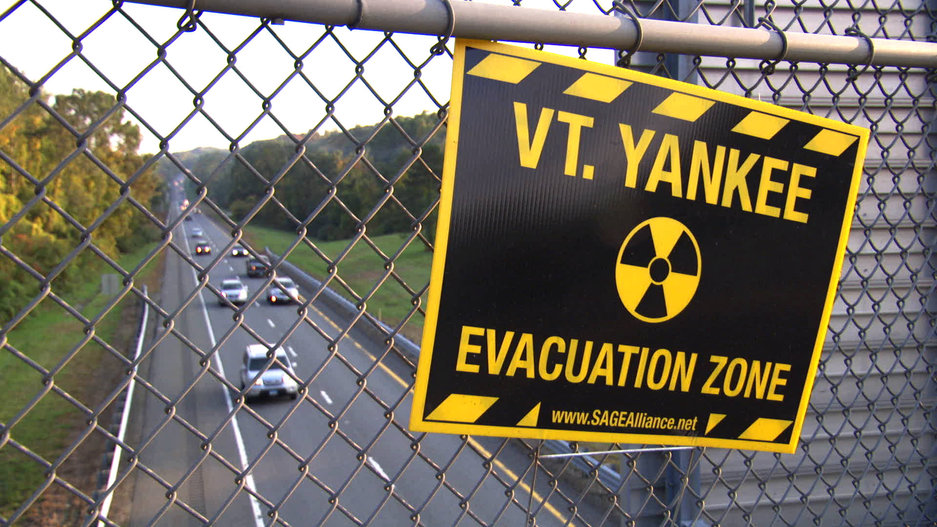13-POWER_STRUGGLE-Vermont_Yankee_Evacuat