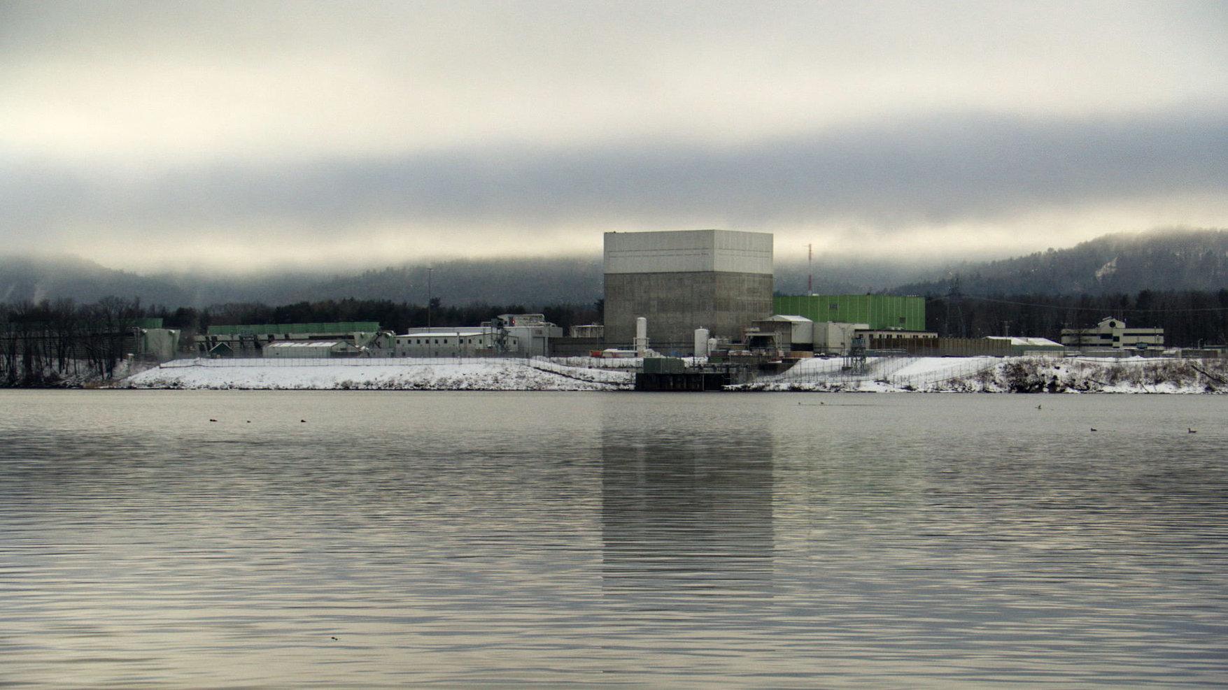 27-POWER-STRUGGLE-Vermont_Yankee_Winter-