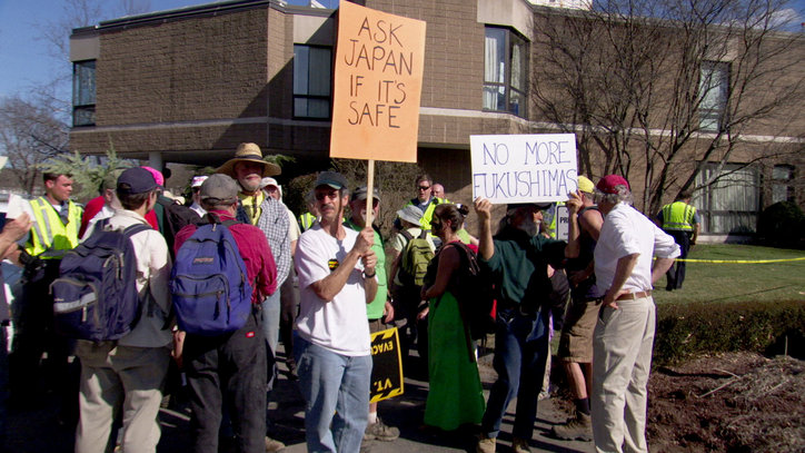 09-POWER_STRUGGLE-Protest_at_Vermont_Yan