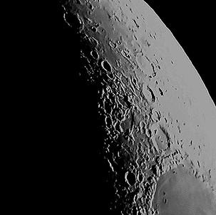 phone-pic-moon-modded.jpg