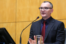 #PraCegoVer: Na imagem o deputado Majeski discursando na ALES.