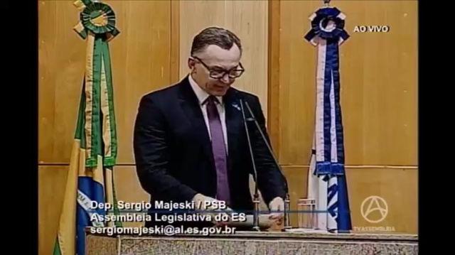 Majeski cobra Cesan melhorias para o abastecimento de água em Santa Maria de Jetibá
