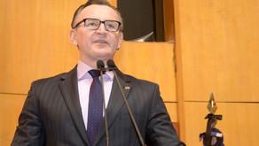 Majeski vota contra projetos de ampliação do programa Escola Viva