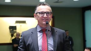 Majeski vota contra criação de mais cargos na Assembleia