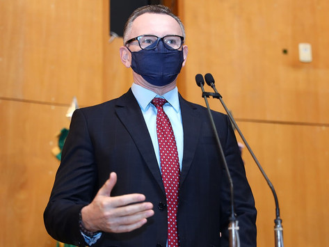 Majeski pede suspensão do recadastramento presencial de profissionais da educação durante a pandemia