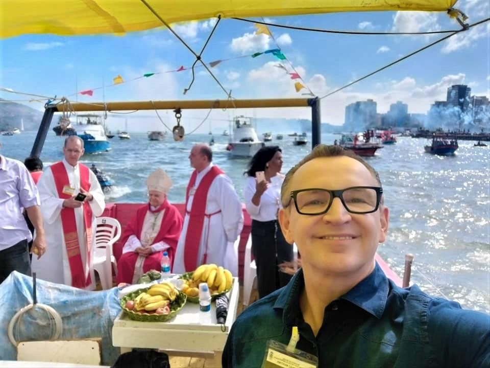 O deputado Majeski participou da procissão marítima de São Pedro, realizada no último domingo (30)