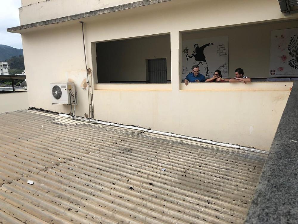 Espaço indicado para ampliação do segundo piso da Escola Emílio Nemer