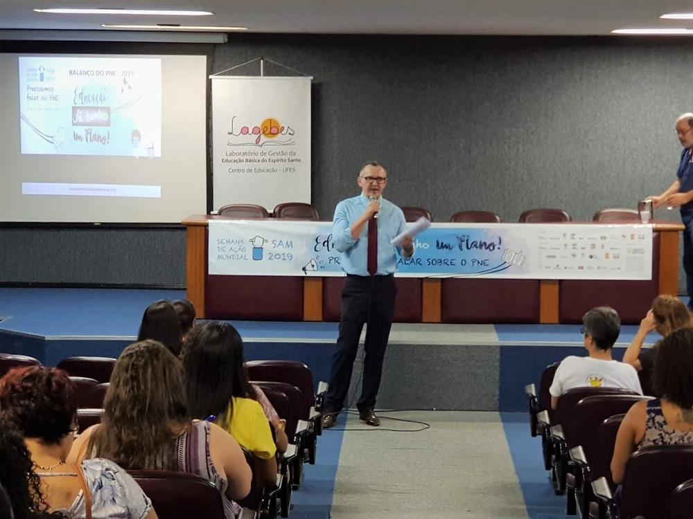 Professor e mestre em Educação, Majeski também foi palestrante na Ufes, numa das atividades programadas na SAM