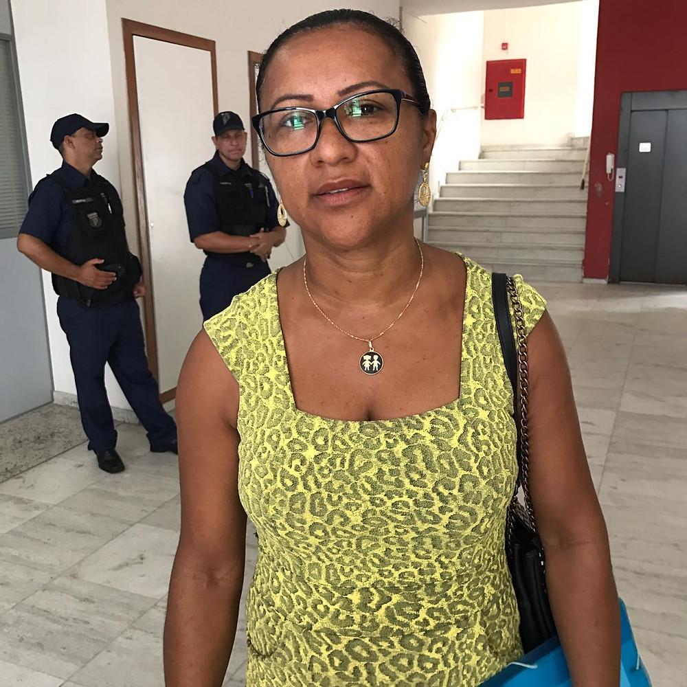 Viviane Costa de Souza é mãe de aluno da rede estadual de Ensino e está sem saber se ele terá uma vaga para estudar neste ano