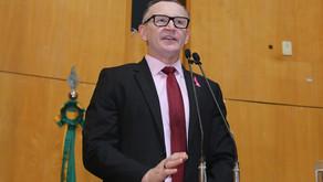 Deputado critica oferta à distância do EJA