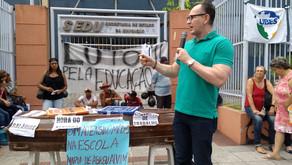 Majeski apoia manifestação contra fechamento de escolas rurais de Afonso Cláudio, realizada na Sedu