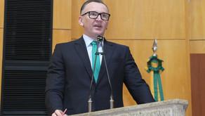 Majeski vota contra reajuste salarial de 18% para o governador, vice-governador e secretários de Est