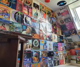Escape room muziek kamer .png