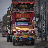 truck na karakoram highway.JPG