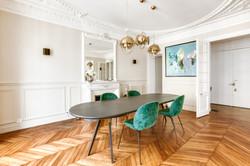 Table ovale en bois
