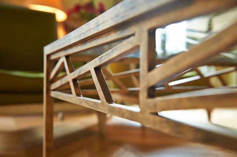 table basse en verre et acier