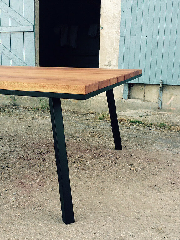 Table de repas en bois