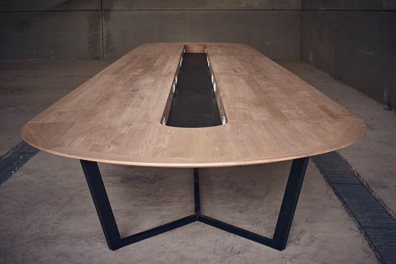 Table réunion Perronet - Prises