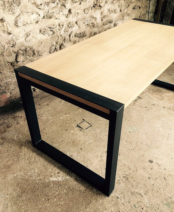 Table rectangulaire en bois