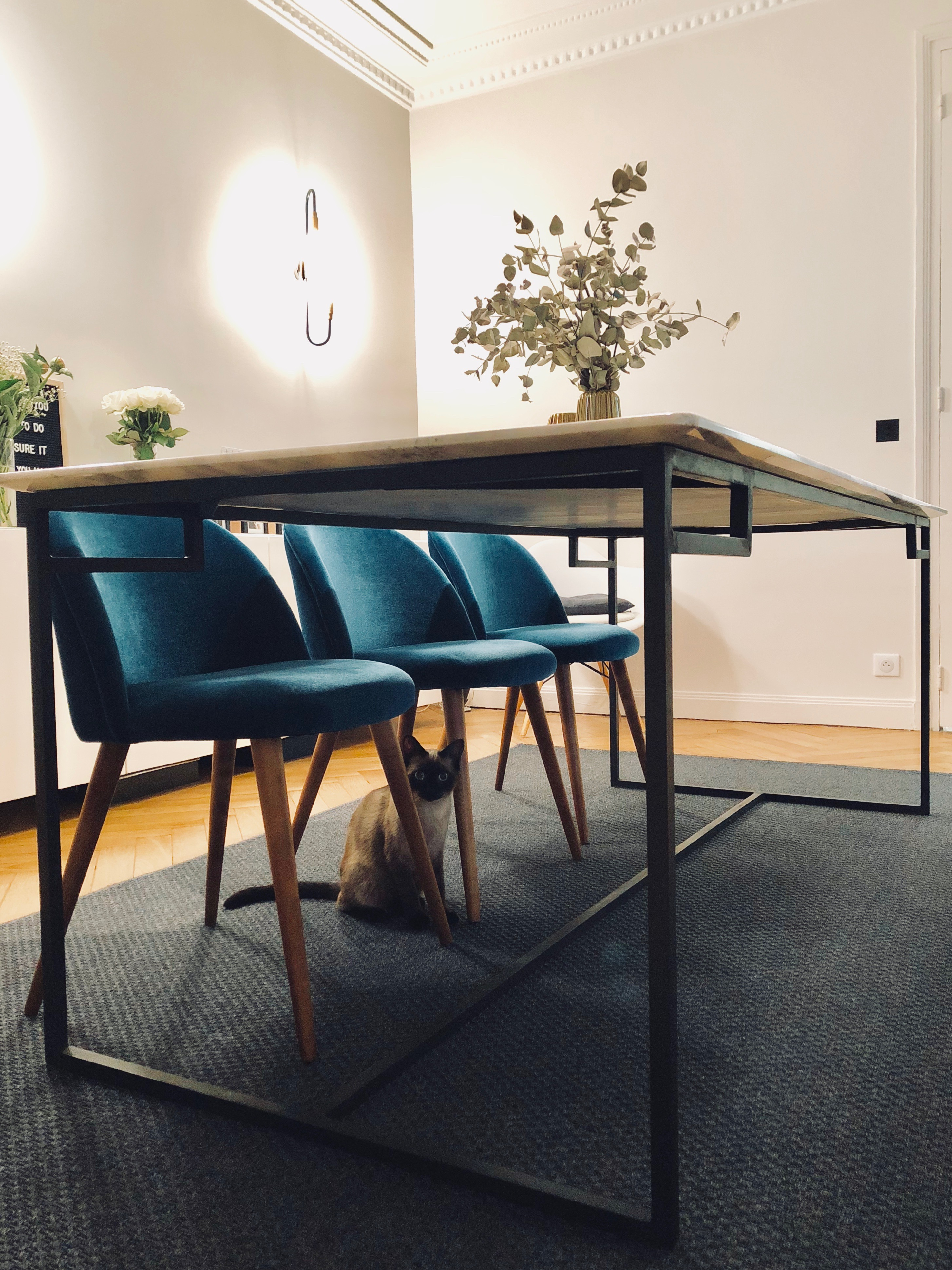 Table rectangulaire en marbre