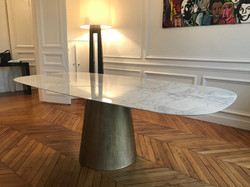 Table ovale en marbre