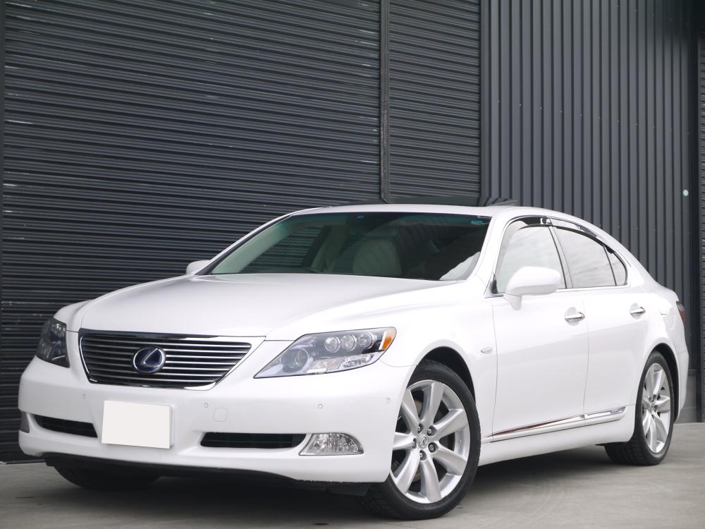 LS600hLホワイト