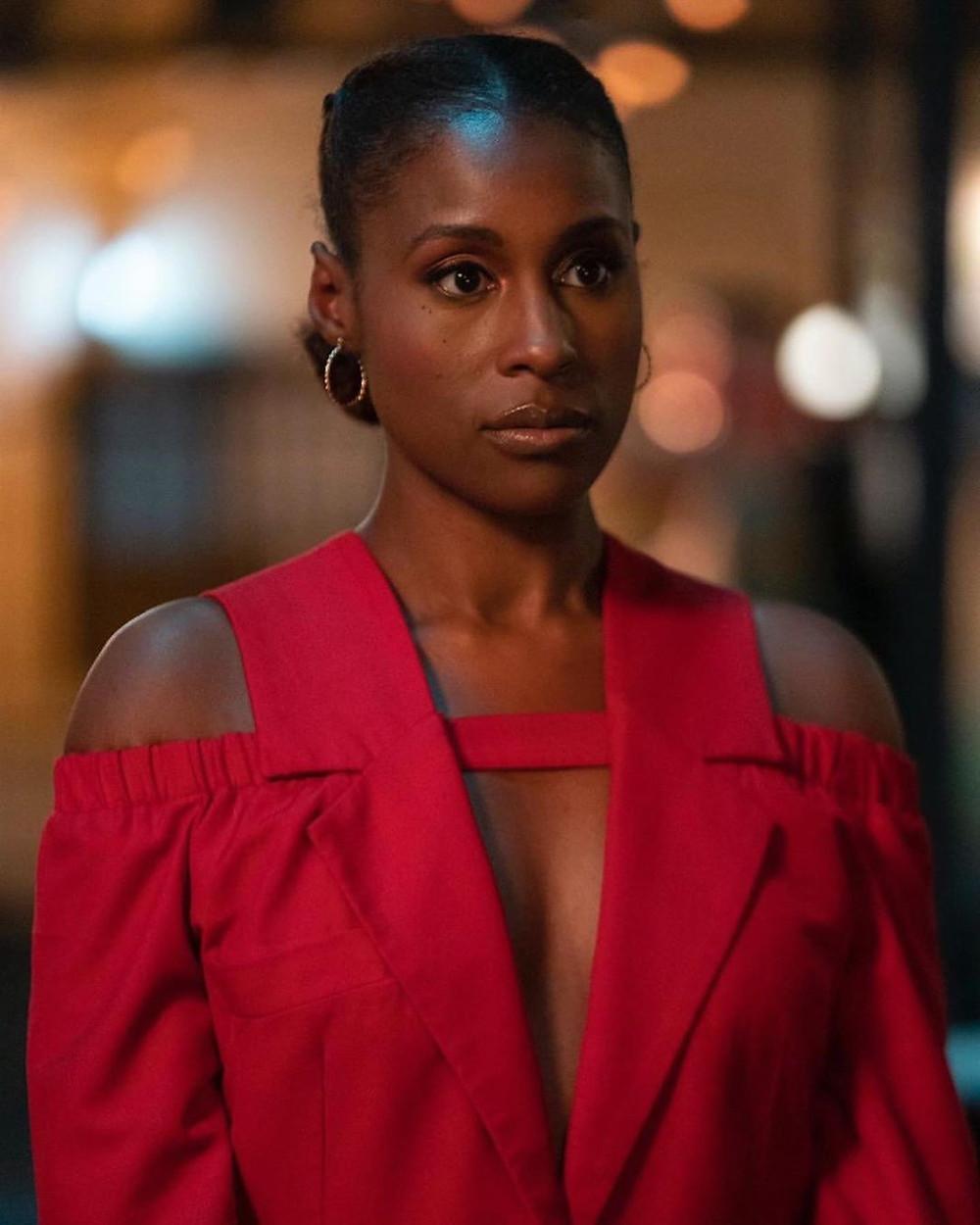 Issa Rae porte du Thebe Magugu dans l'épisode 8 de la saison 4 d'Insecure
