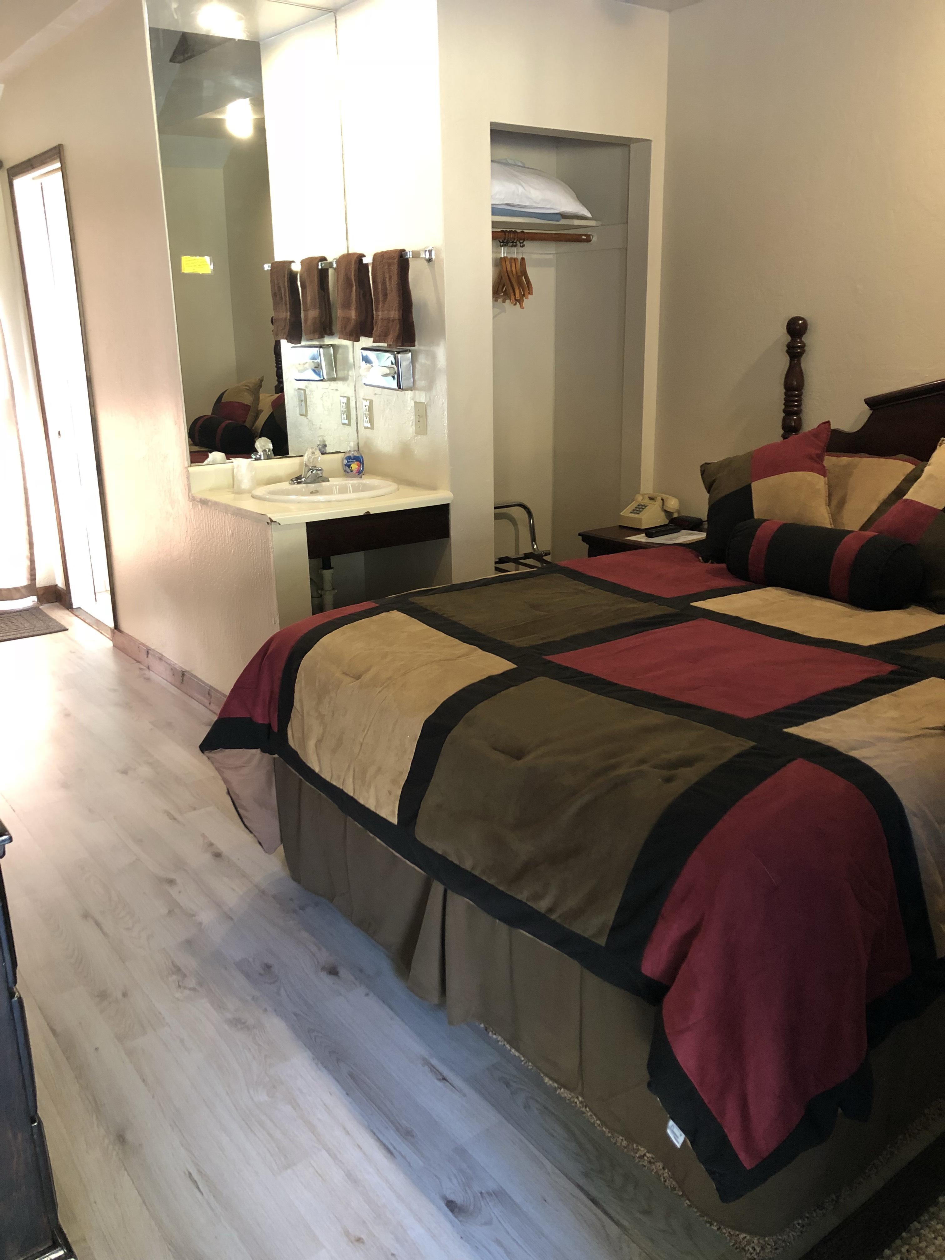 Room 9(2)