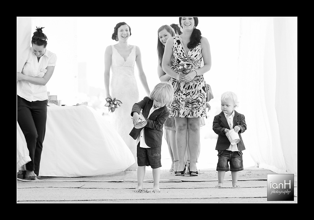 beach-weddings-bournemouth-arrival-of-the bridal-party-at -the-aisle