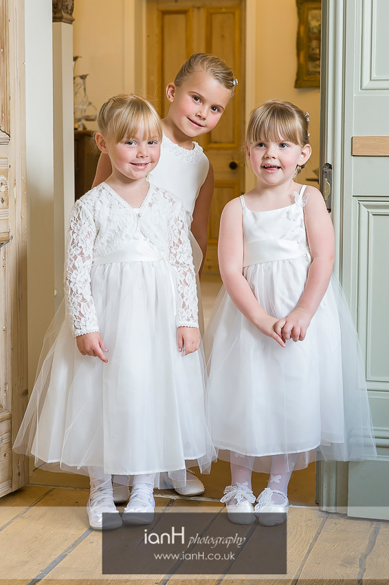 Lyndhurst wedding Flowergirls