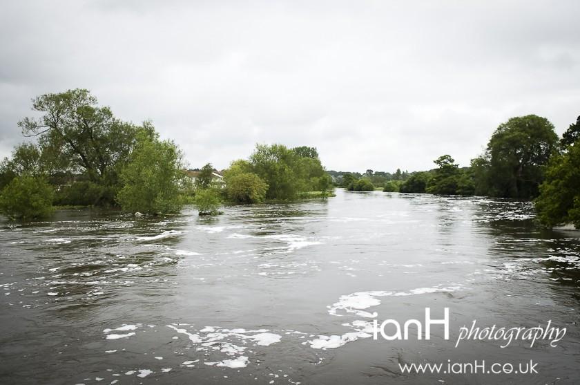 The_River_Stour_in_flood_at_Longham_Bridge_in_Dorset