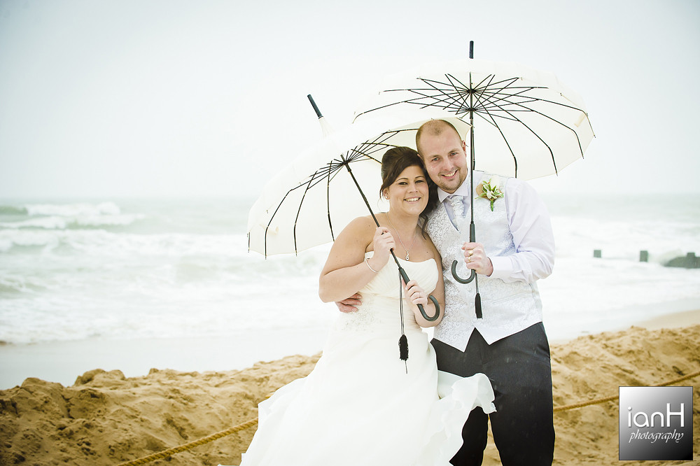 Bournemouth-beach-wedding-photography-in-the-rain